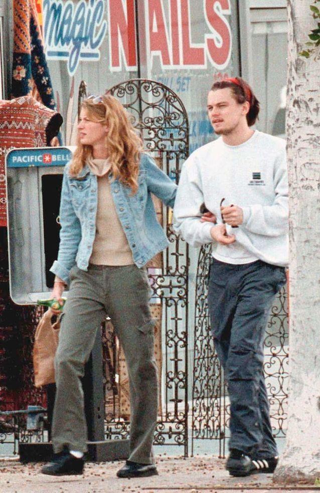 Leonardo DiCaprio et Gisele Bündchen en 2001 dans les rues de Los Angeles