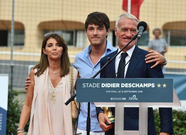 Didier Deschamps : heureux en famille et avec le prince Albert de Monaco pour l'inauguration d'un stade à son nom