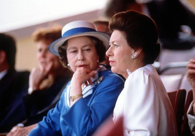 Elisabeth II et la princesse Margaret, deux sœurs unies sous le poids de la monarchie