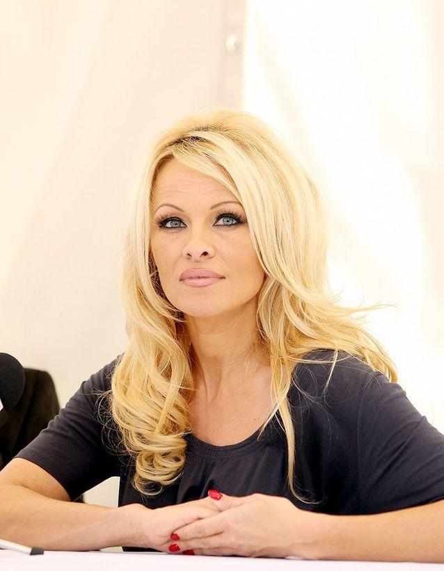 Pamela Anderson est journaliste pour Flaunt Magazine