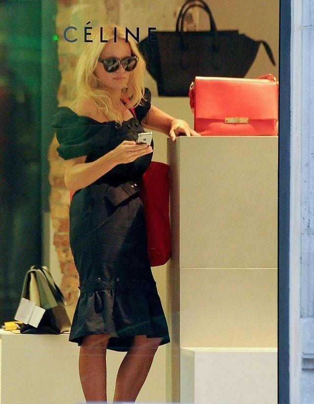 Pamela Anderson fait du shopping