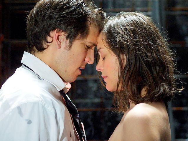 """Guillaume Canet et Marion Cotillard dans """"Jeux d'enfants"""" (2003)"""
