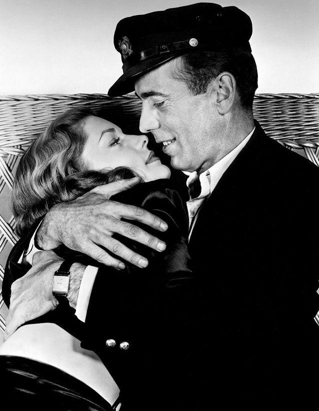 """Humphrey Bogart et Lauren Bacall dans """"Le Port de l'angoisse"""" (1945)"""