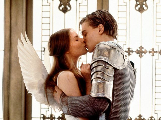 """Leonardo DiCaprio et Claire Danes dans """"Romeo + Juliet"""" (1996)"""