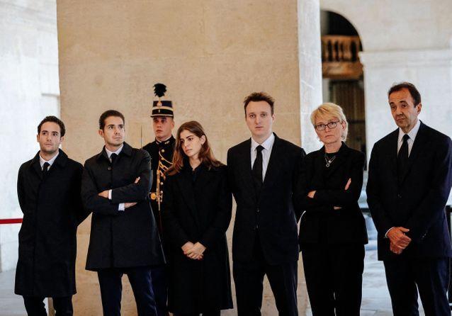 Jacques Chirac : la vive émotion de la famille présente à l'hommage
