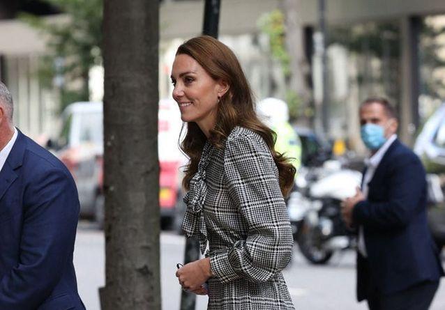Kate Middleton, chic et engagée lors d'une visite officielle à Londres