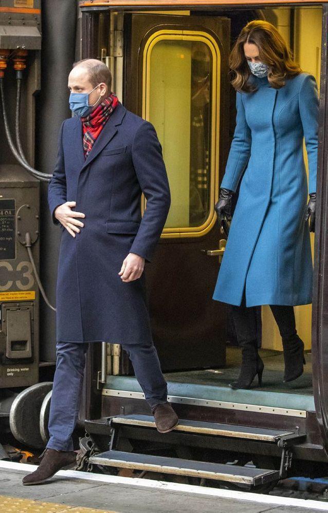 Kate Middleton et William arrivent à Édimbourg