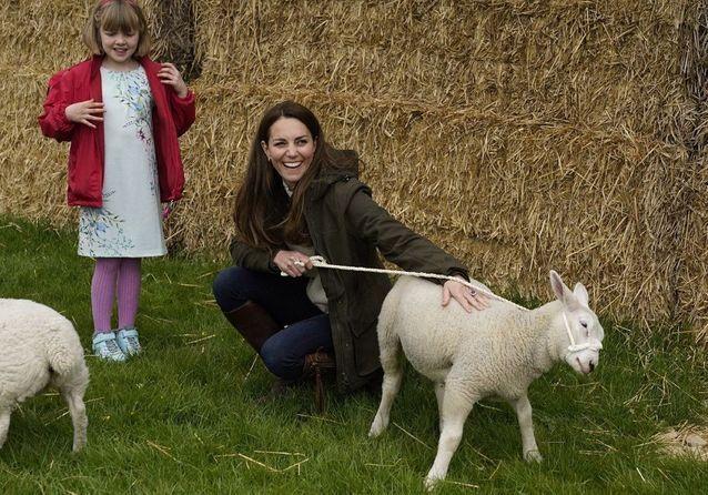Kate Middleton et William décontractés pour une sortie à la ferme