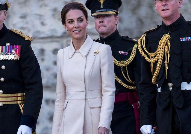 Kate Middleton : radieuse en blanc pour des célébrations sans William