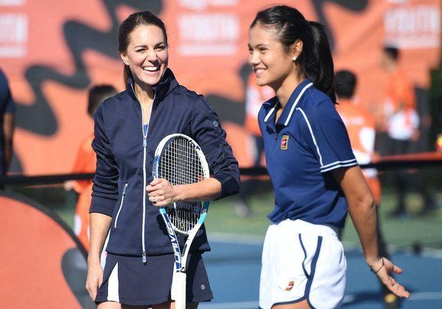 Kate Middleton, reine du court de tennis aux côtés de la championne Emma Raducanu