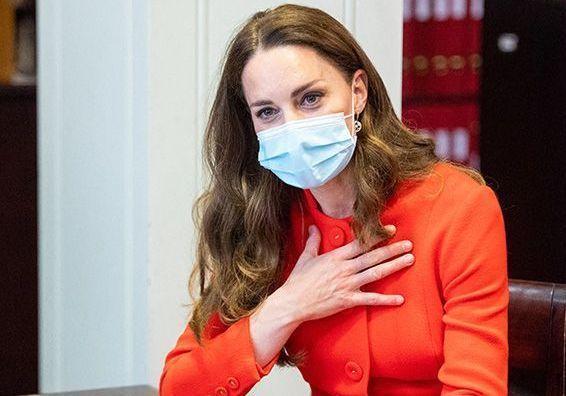 Kate Middleton sublime : sa visite au musée pour la bonne cause