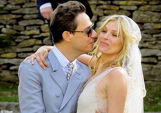 Kate Moss et Jamie Hince: les photos du mariage!