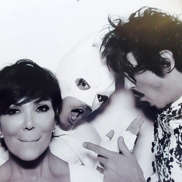 Jaden Smith photobombe Kris Jenner et Clyde Haygood