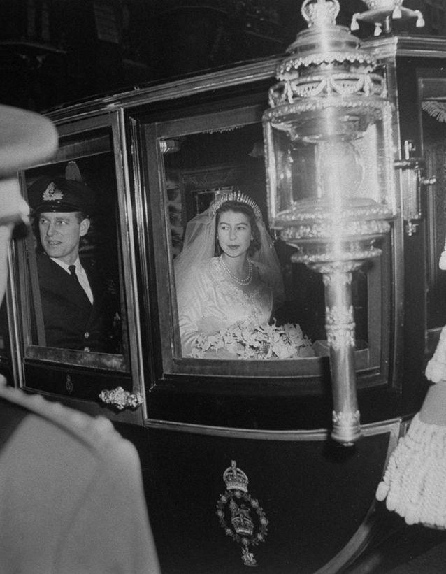 La princesse Elizabeth arrive à l'abbaye de Westminster