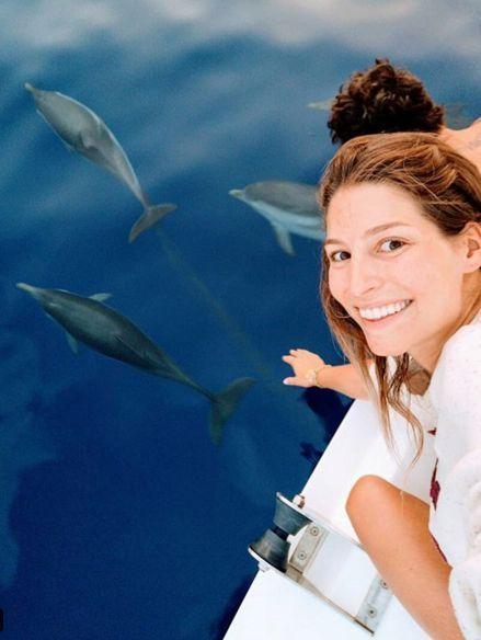 Petite baignade avec des dauphins pour le couple cet été