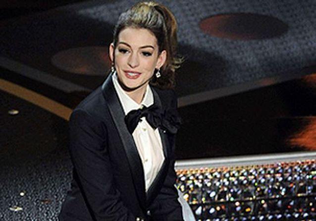 Le défilé d'Anne Hathaway aux Oscars