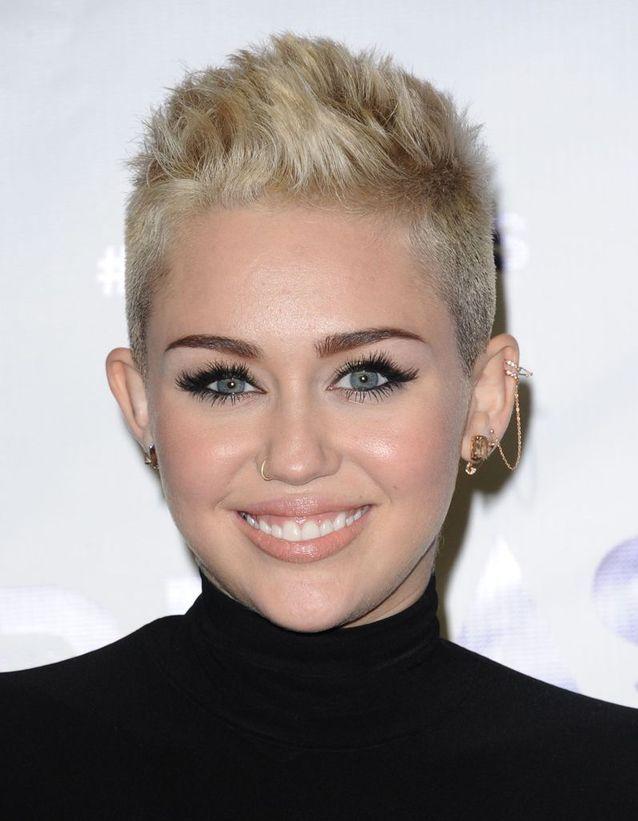 Les piercings de Miley Cyrus