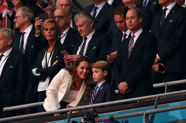 Le prince George, Kate Middleton et le prince William lors de la finale de l'Euro 2021