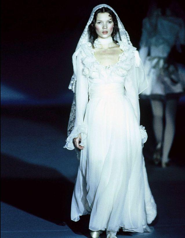 Au défilé Blumarine Haute Couture, en janvier 1993, à Paris.