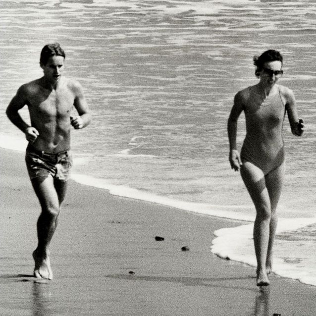 Anjelica Huston et Ryan O'Neal, Malibu, 1978