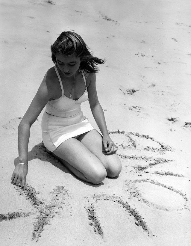 Anouk Aimée, 1948