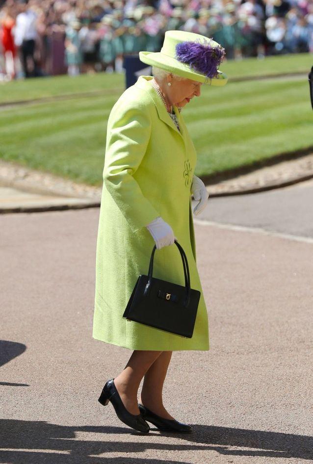 La reine d'Angleterre arrive à la cérémonie