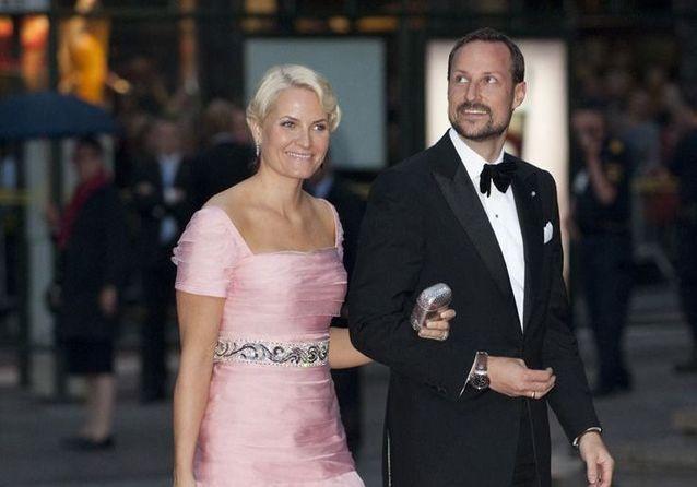 Mariage royal : Haakon et Mette-Marit de Norvège, du scandale au conte de fée