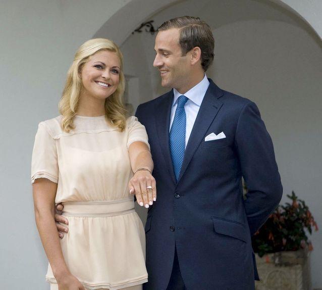 2009 : Madeleine de Suède et Jonas Bergström lors de leurs fiançailles