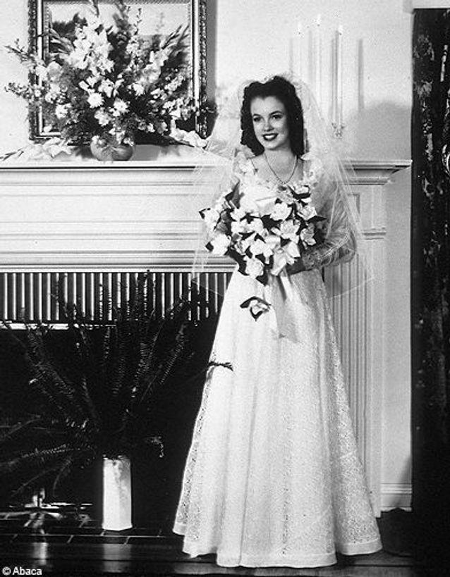 Marilyn Monroe en robe de mariée