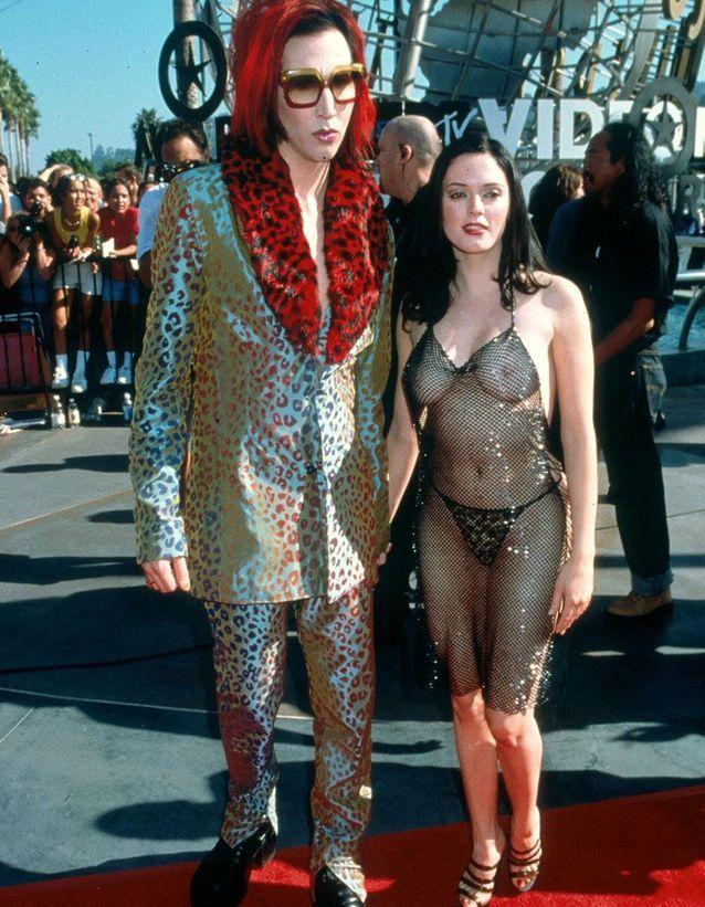 Marilyn Manson et Rose McGowan en 1998
