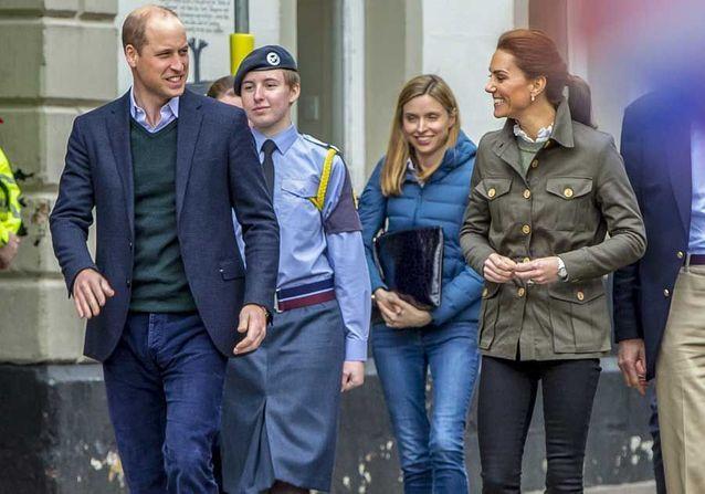 Prince William : malgré les rumeurs sur sa maîtresse, il retrouve le sourire avec Kate Middleton