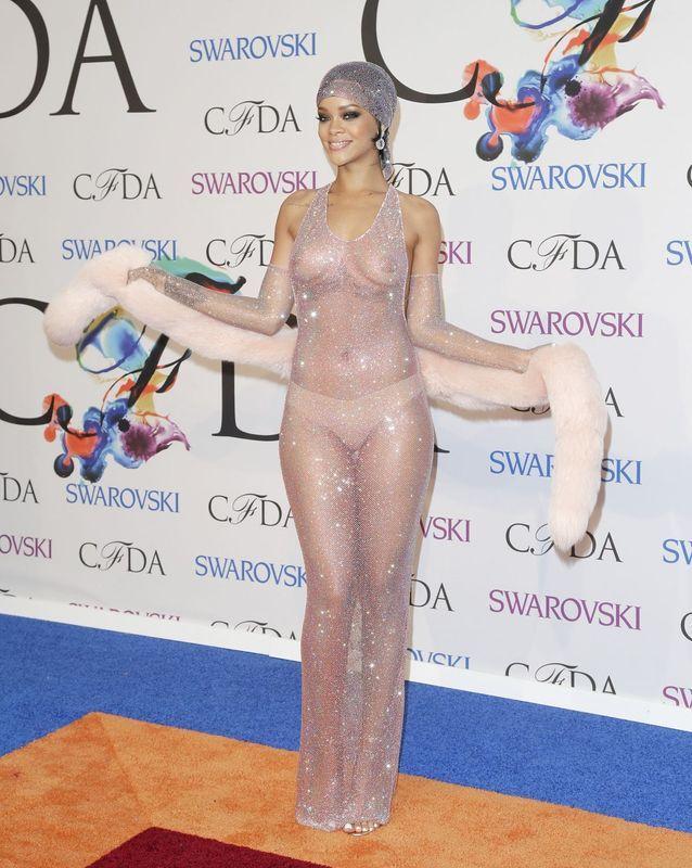 Rihanna aux CFDA 2014