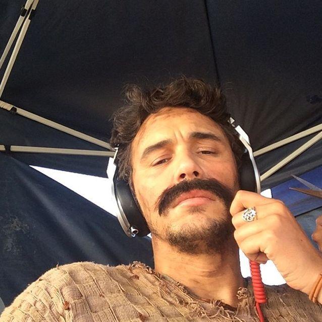 Selfie moustachu