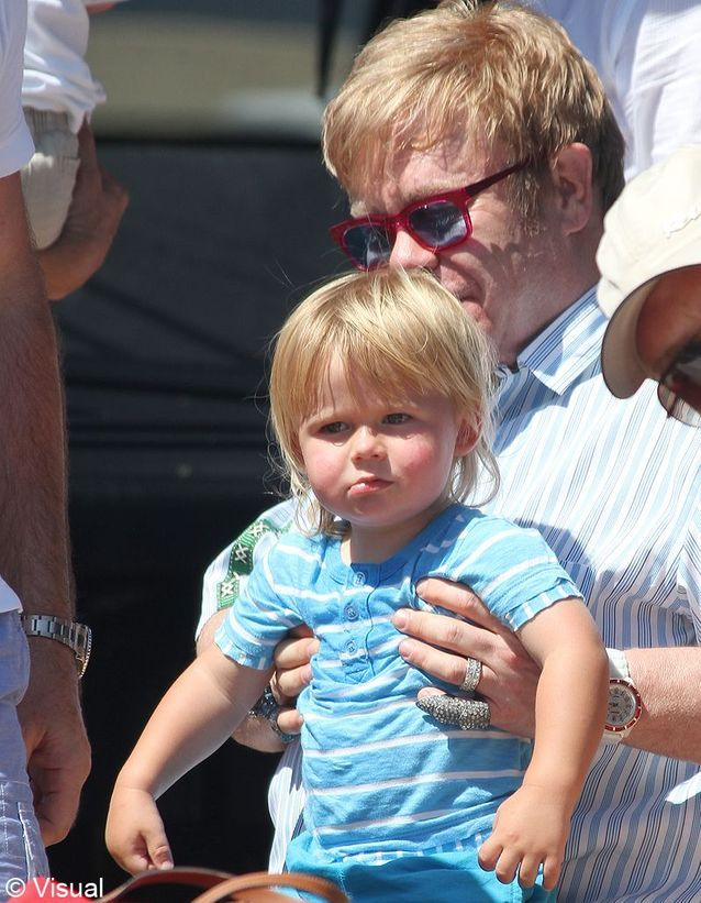 Zackary, le fils d'Elton John et David Furnish !