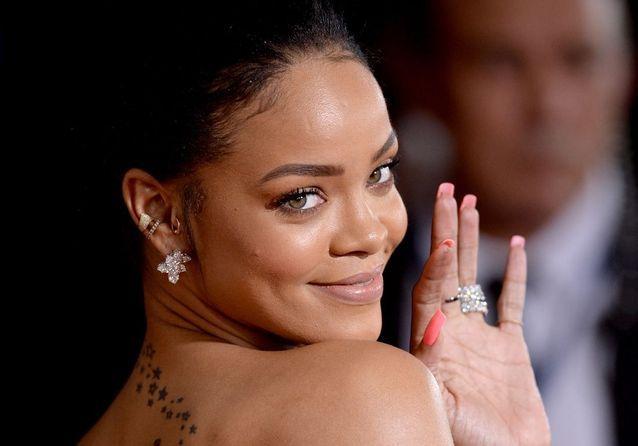 Tatouage Rihanna Retrouvez Tous Les Tatouages De Rihanna Elle