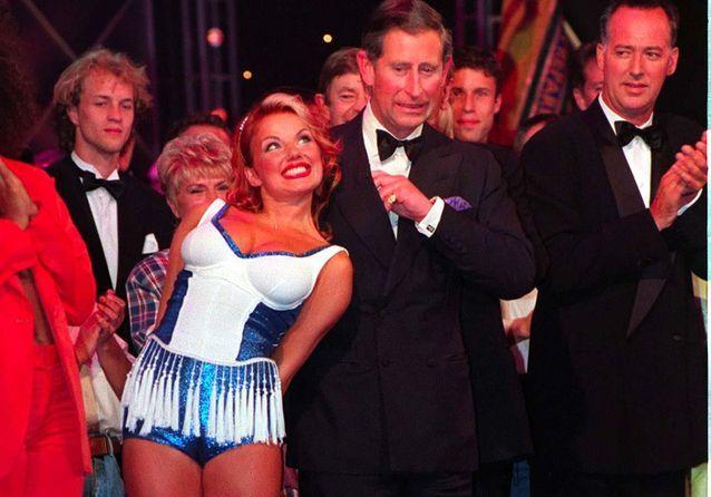 Vingt ans après lui avoir caressé les fesses, Geri des Spice Girls retrouve le prince Charles !