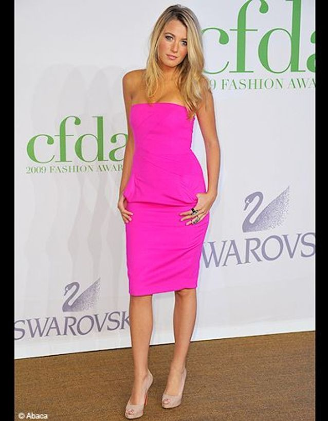 People tendance mode look color block blake lively rose