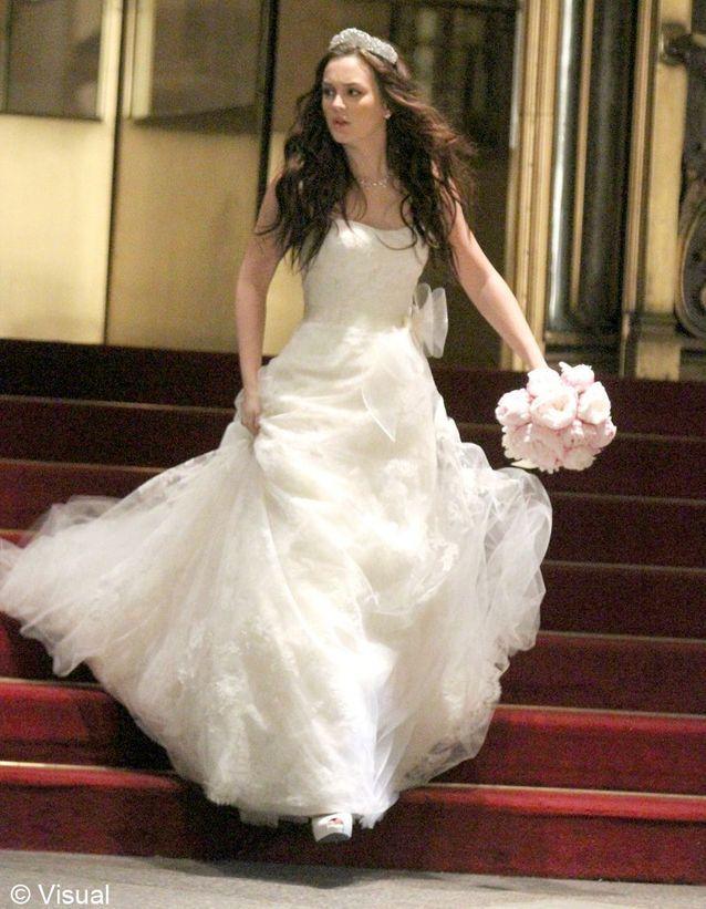 Blair en robe de mariée