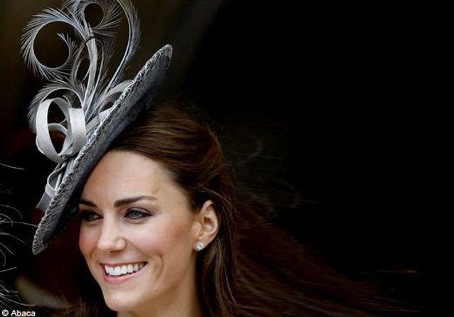 Kate Middleton, haut les chapeaux!