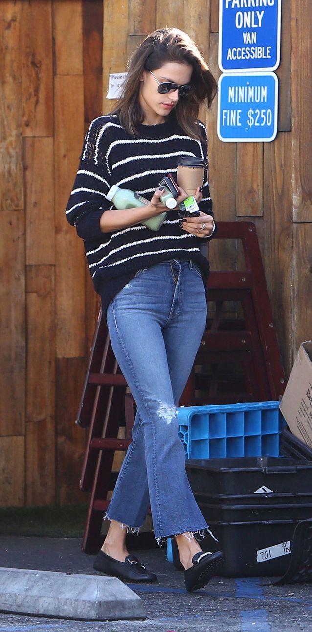 Alessandra Ambrosio en jean