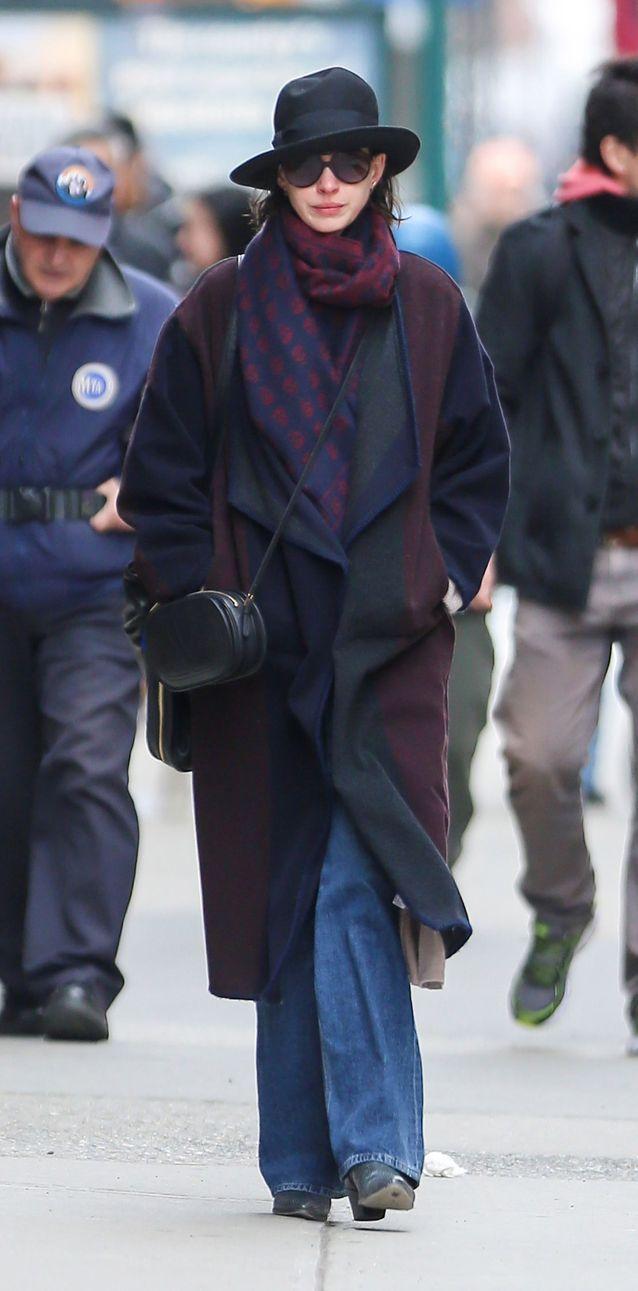 Anne Hathaway en jean