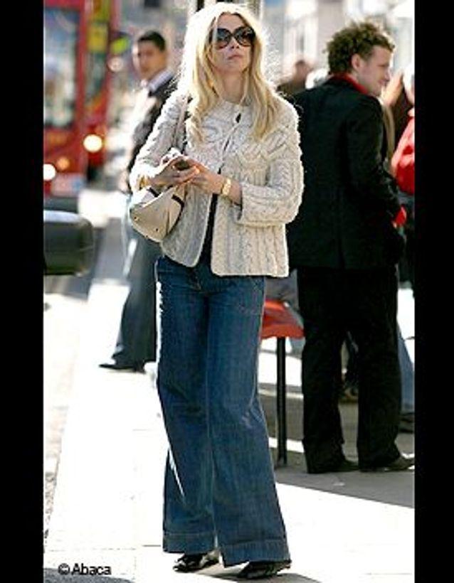 Claudia Schiffer en jean