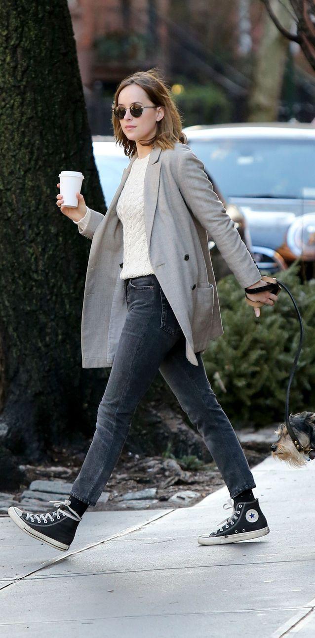 Dakota Johnson en jean