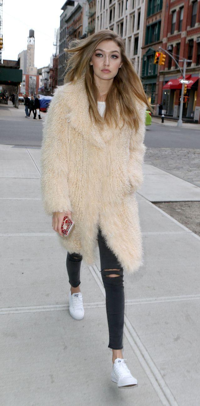 Gigi Hadid en jean