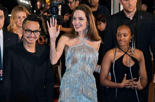 Angelina Jolie et ses enfants arrivent à l'avant-première