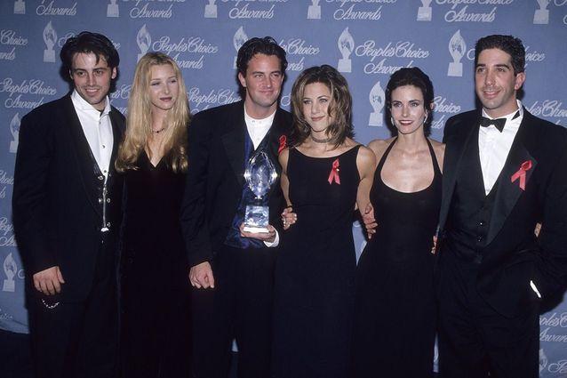 Matt Le Blanc, Lisa Kudrow, Matthew Perry, Jennifer Aniston, Courteney Cox et David Schwimmer lors des People Choice Awards en 1995