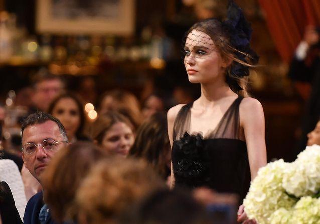 Lily-Rose Depp et Pharrell Wiliam, stars du défilé Chanel Métiers d'Art à Paris