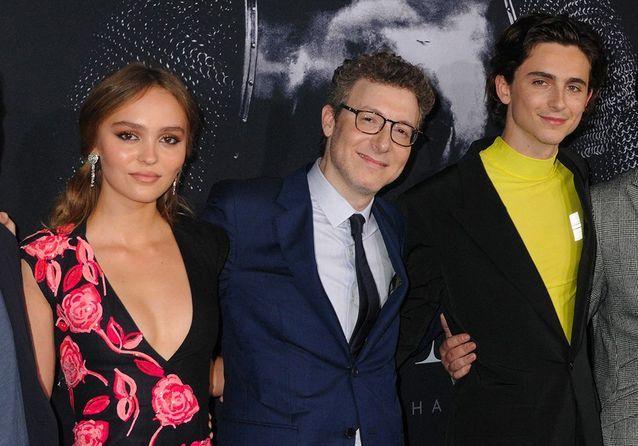 Lily-Rose Depp et Timothée Chalamet : le couple prend la pose pour The King
