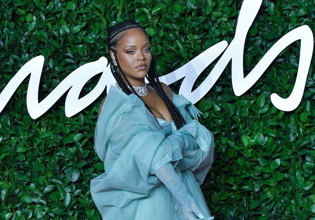 Rihanna, Julia Roberts, Naomi Campbell : défilé de stars aux British Fashion Awards