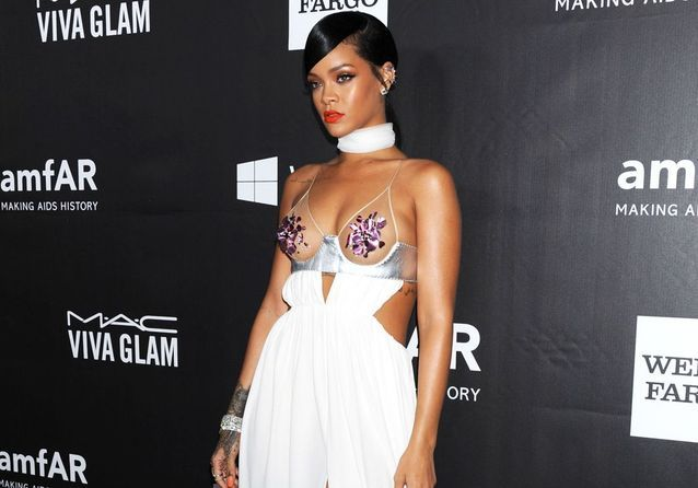 Rihanna très sexy au gala de l'amfAR !